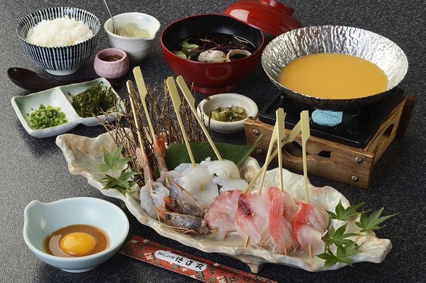 【新メニューのお知らせ】ウニのうま味たっぷりのウニしゃぶしゃぶや雑炊。新鮮な海鮮舟盛りを刺身または焼いて!