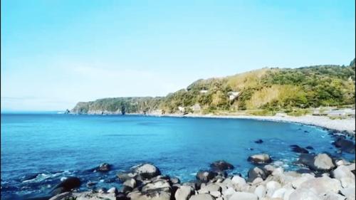 絶景 伊豆稲取温泉は志津摩海岸からの景色 鳥のさえずりも 徳造丸
